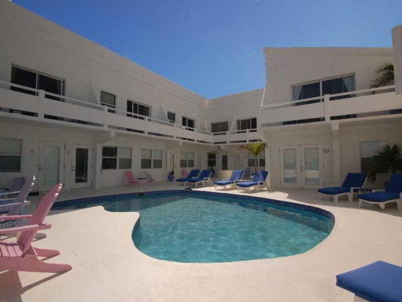 Mata Rocks Resort Pool