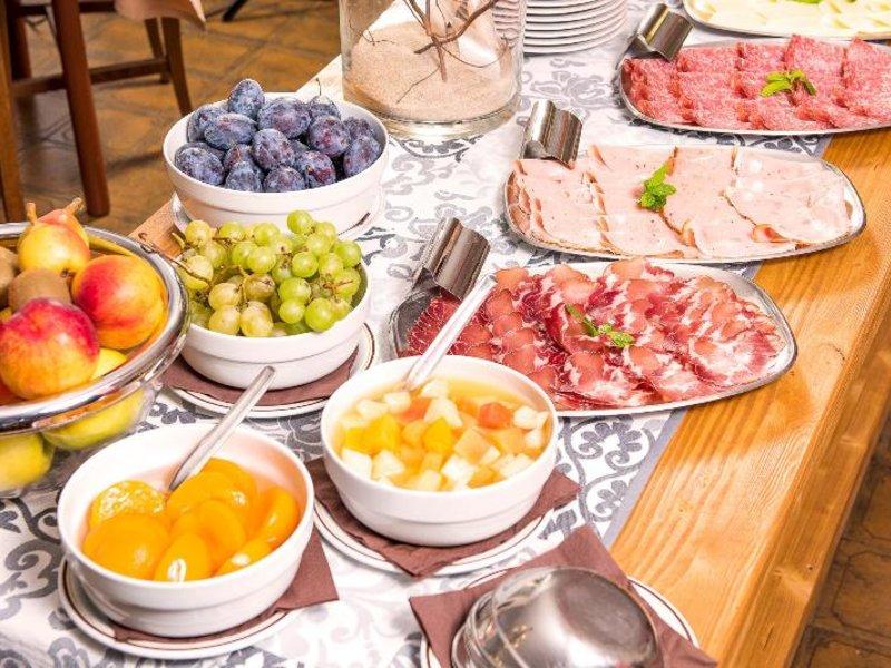 Taormina Hotel Restaurant