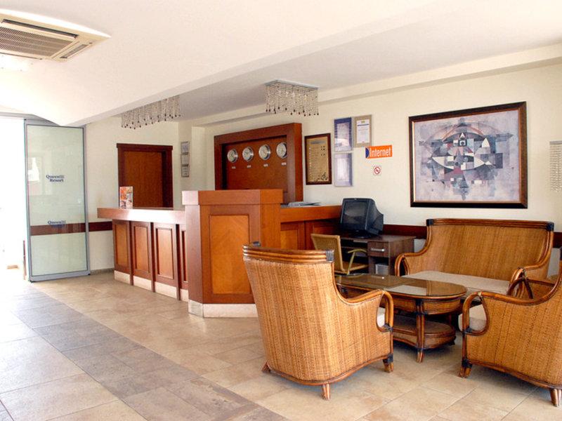 Costa Queen Resort Lounge/Empfang