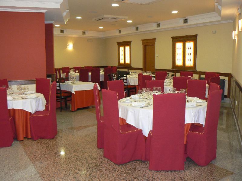 II Castillas Restaurant