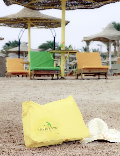 Lemon & Soul Makadi Bay  Strand