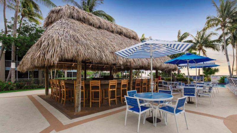 Best Western Key Ambassador Resort Inn Bar