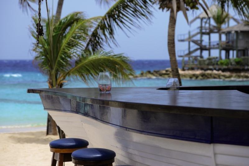 Avila Beach Bar