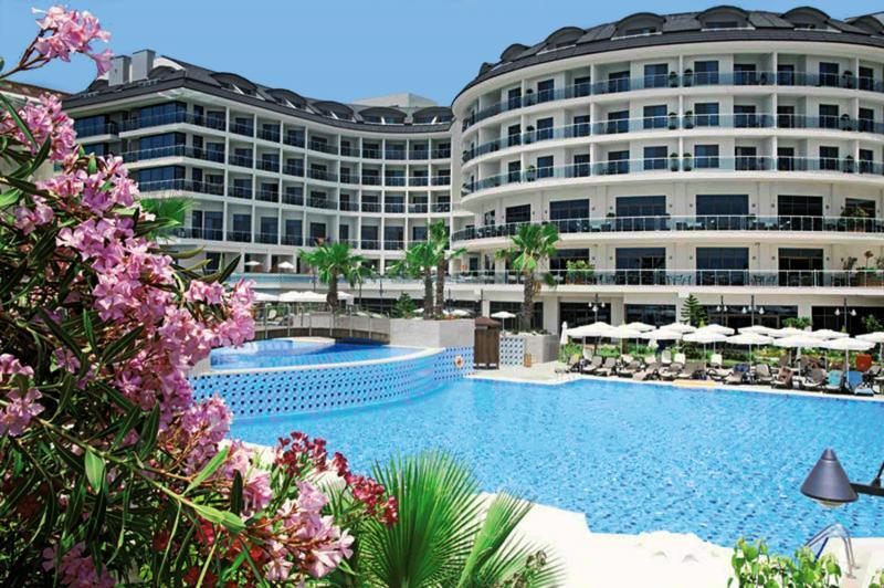 Commodore Elite Suites & Spa - Erwachsenenhotel ab 18 Jahren Pool