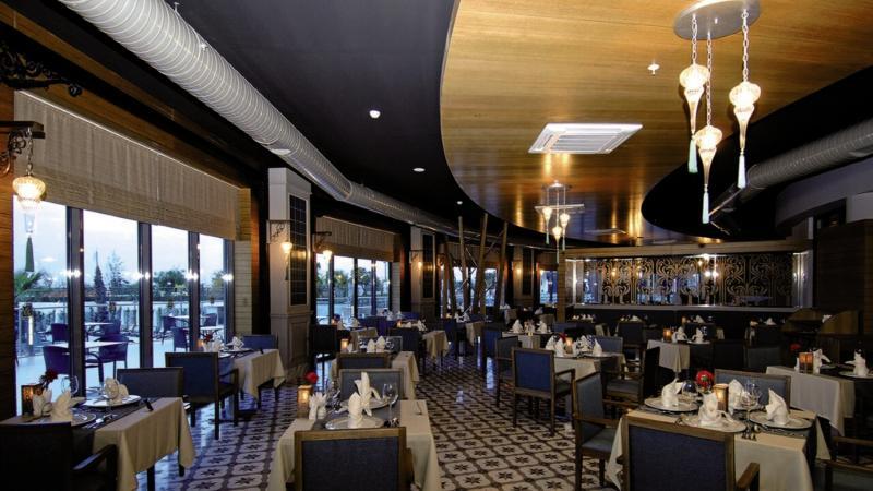 Commodore Elite Suites & Spa - Erwachsenenhotel ab 18 Jahren Restaurant