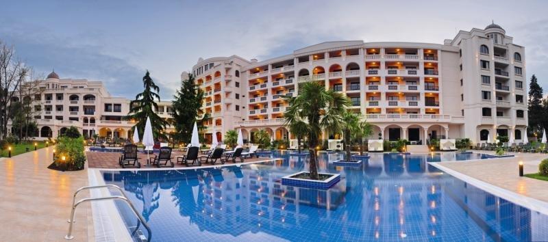 Grand Hotel & Spa Primoretz Pool