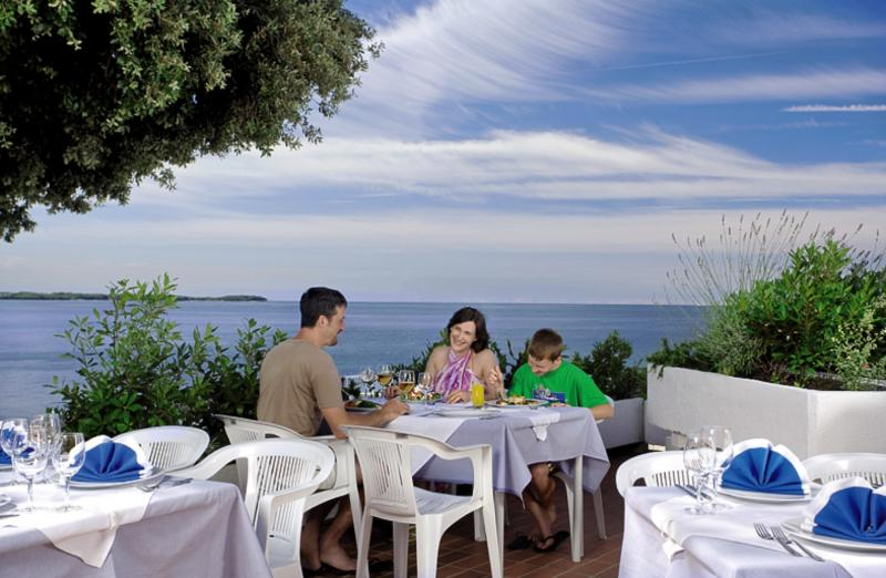 Lanterna Sunny Resort by Valamar Terrasse