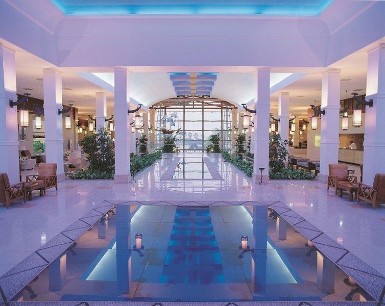 TT Hotels Pegasos World Hallenbad