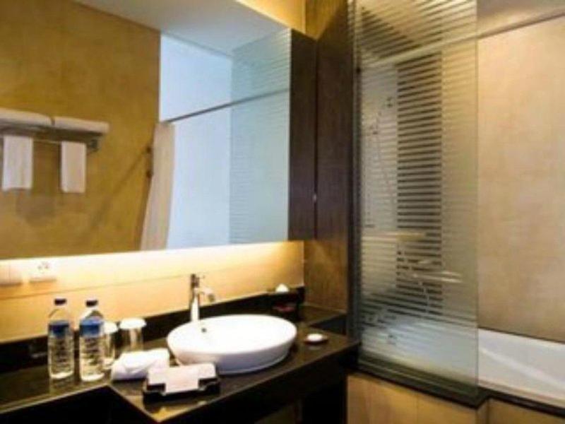100 Sunset Hotel & Boutique Managed by Eagle Eyes Badezimmer