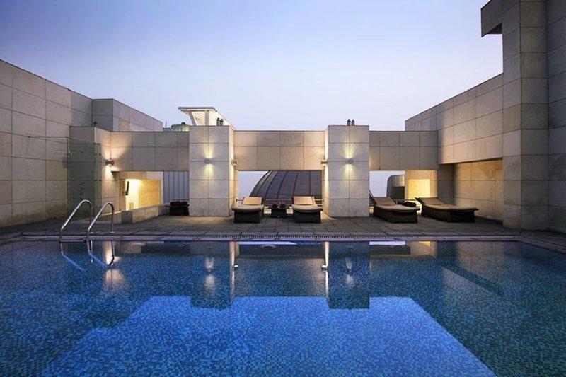 Fraser Suites New Delhi Pool