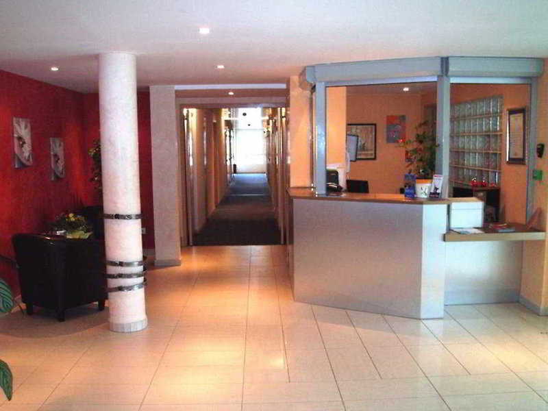 Residhotel Les Hauts d´Andilly Lounge/Empfang