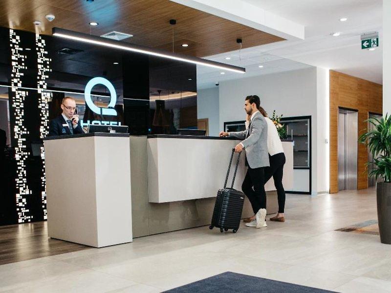 Q Hotel Plus Katowice Lounge/Empfang