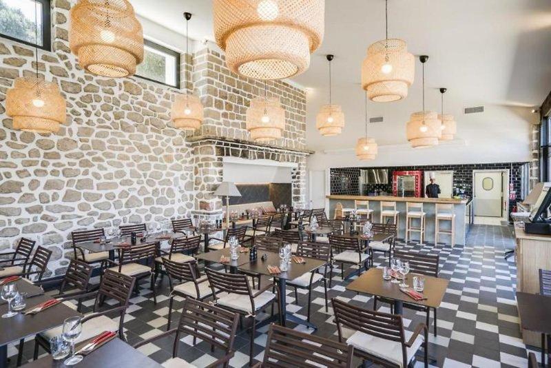 Helios Hotel & App. Restaurant