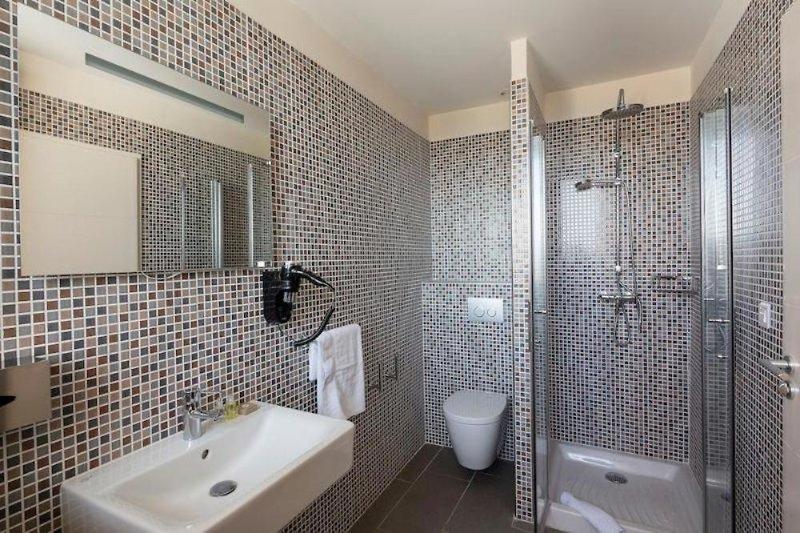 Helios Hotel & App. Badezimmer