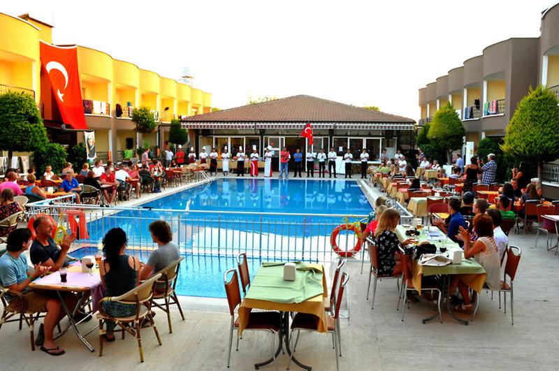 Sayanora & Sayanora Park Pool