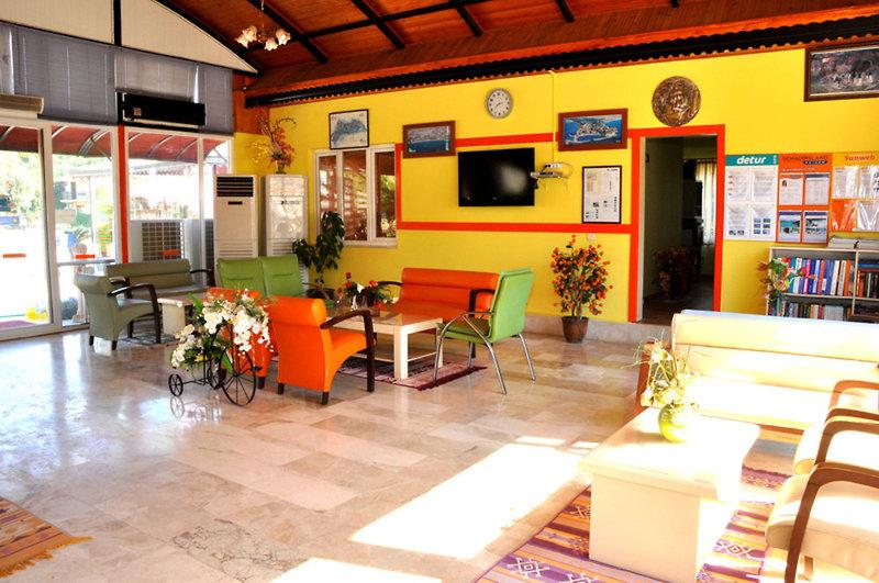 Sayanora & Sayanora Park Lounge/Empfang