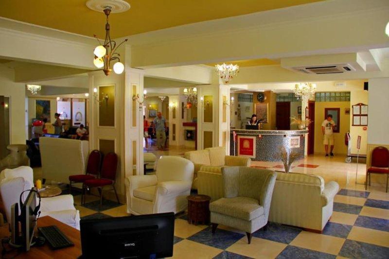 Agelia Beach Hotel Lounge/Empfang