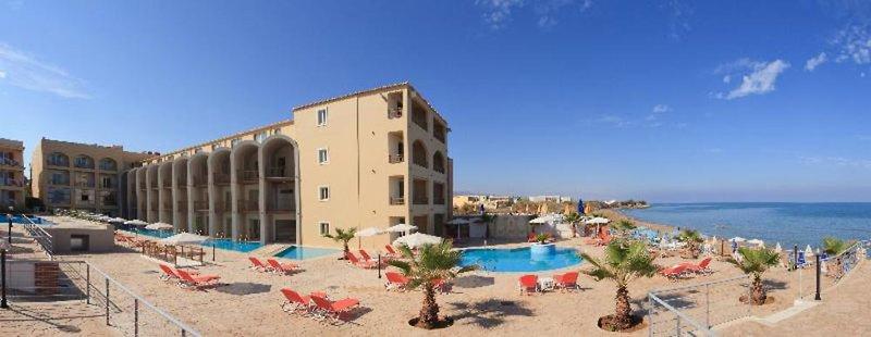 Agelia Beach Hotel Strand