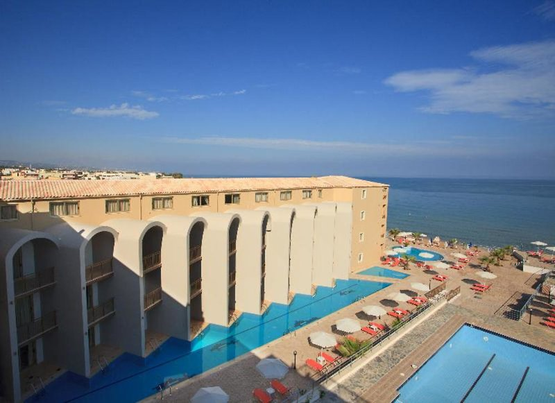 Agelia Beach Hotel Terrasse