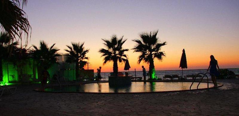 Agelia Beach Hotel Garten
