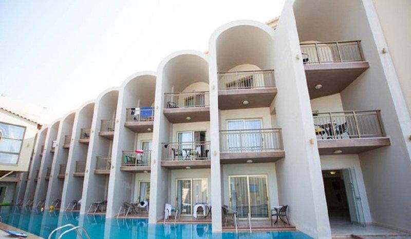 Agelia Beach Hotel Außenaufnahme