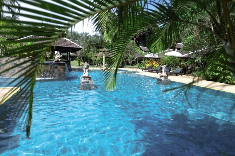 The Leaf on The Sands by Katathani Resorts Pool