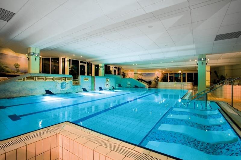 Familienhotel Predigtstuhl Resort Hallenbad
