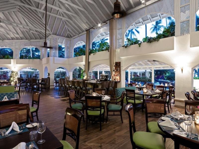 Colony Club by Elegant Hotels Bar