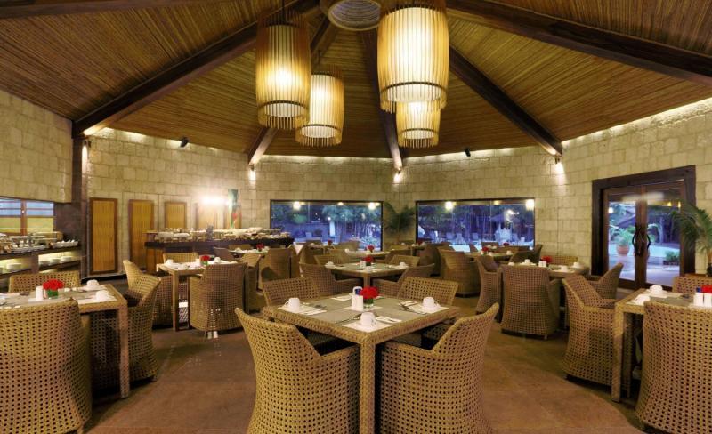 Maribago Bluewater Beach Resort Restaurant