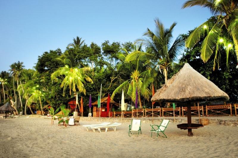 Coco Beach Island Resort Strand