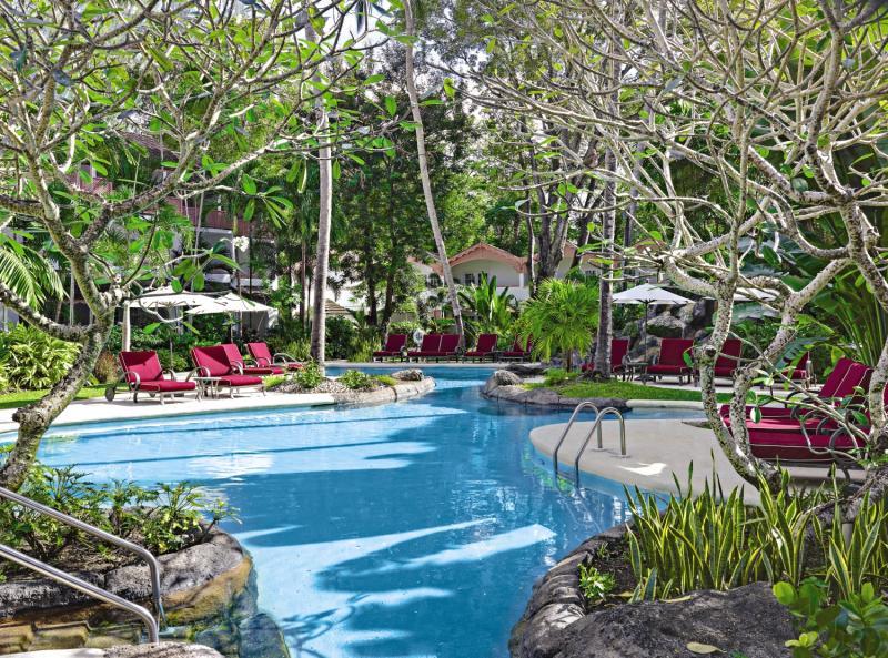 Colony Club by Elegant Hotels Pool