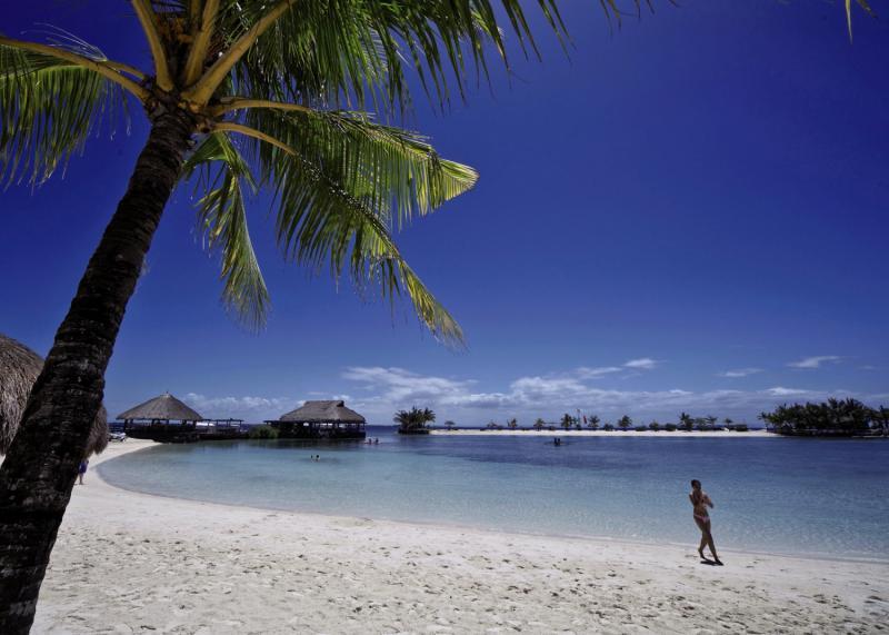 Maribago Bluewater Beach Resort Strand