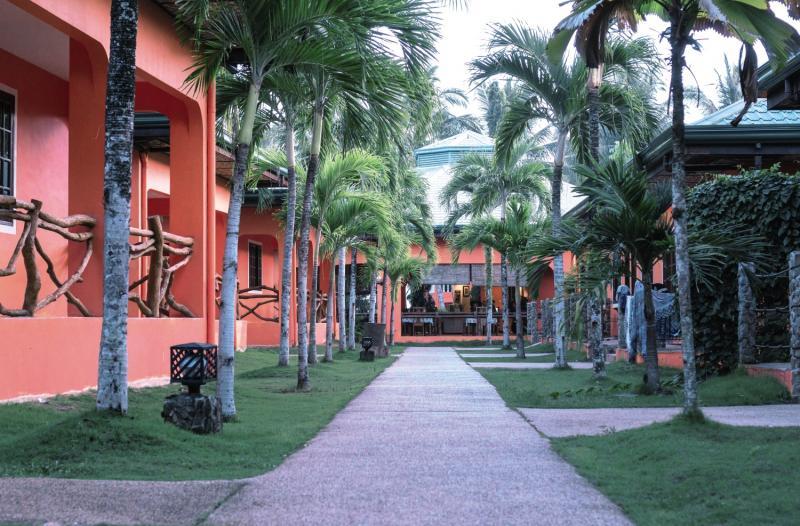 Bohol Sea Resort Garten