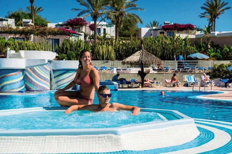 HL Club Playa Blanca Pool