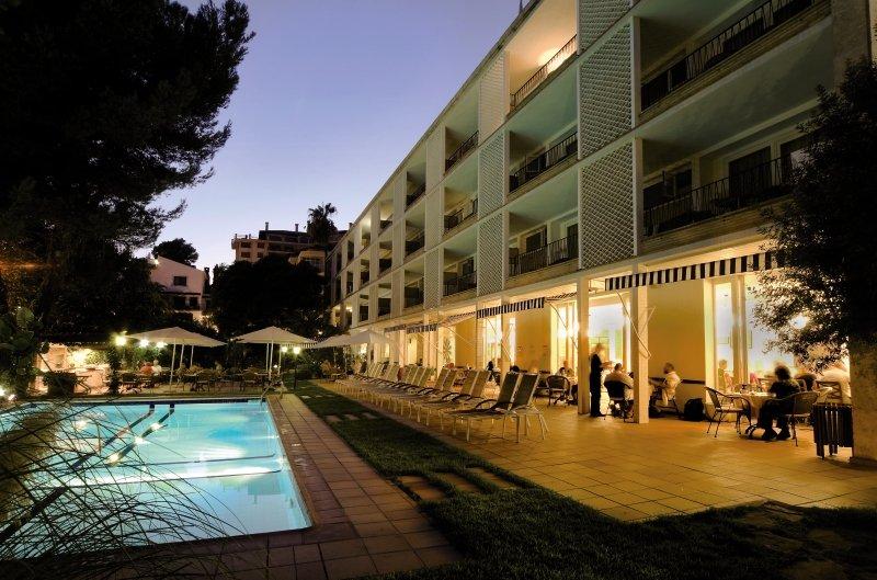 Araxa Pool