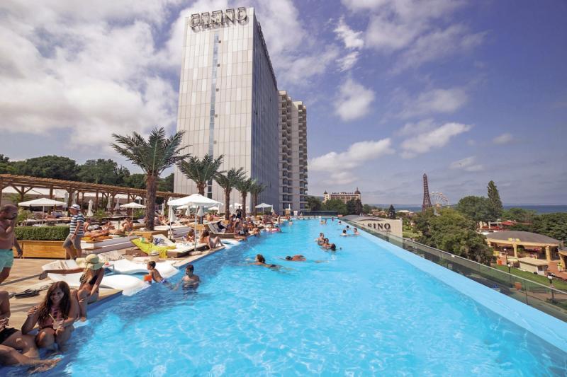 International Casino & Tower Suites Pool