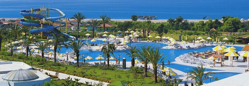 Selge Beach Resort & Spa - Halal Hotel Pool