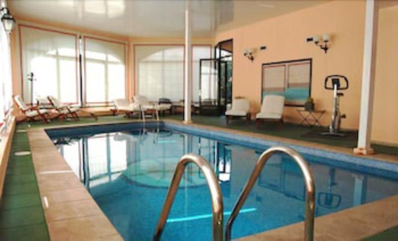 Hotel Bahia Hallenbad