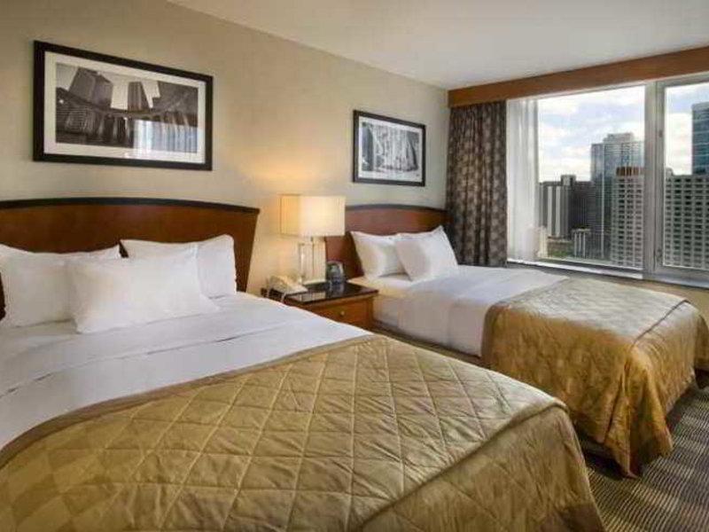 Urlaub im Embassy Suites Chicago Downtown Magnificent Mile - hier günstig online buchen