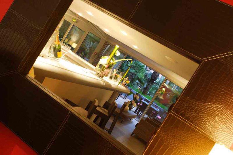 Cezanne Cannes Bar
