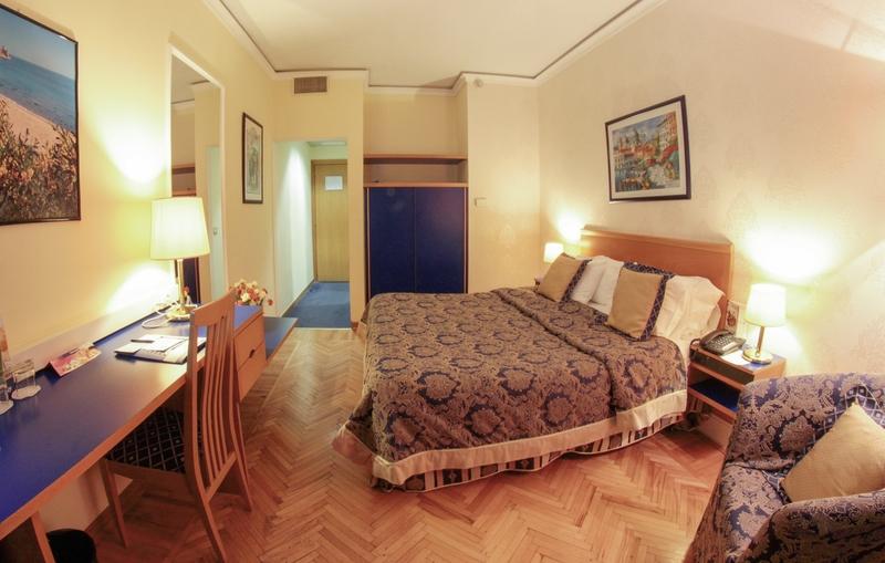 Tirana International Hotel & Conference Center Wohnbeispiel